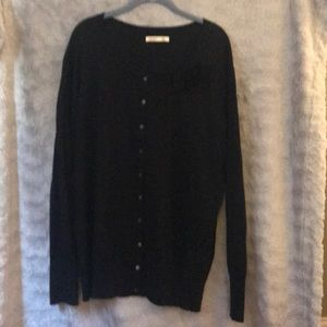 Old Navy Black Sweater w. Attached Flower XXL Tall